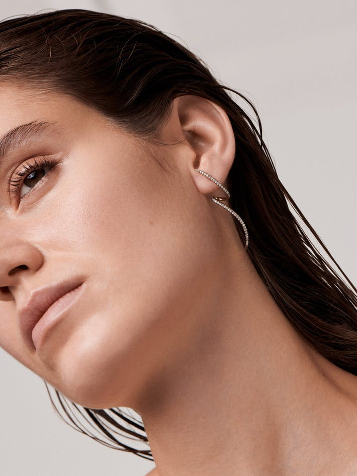 Tourbillon pavé diamond earring