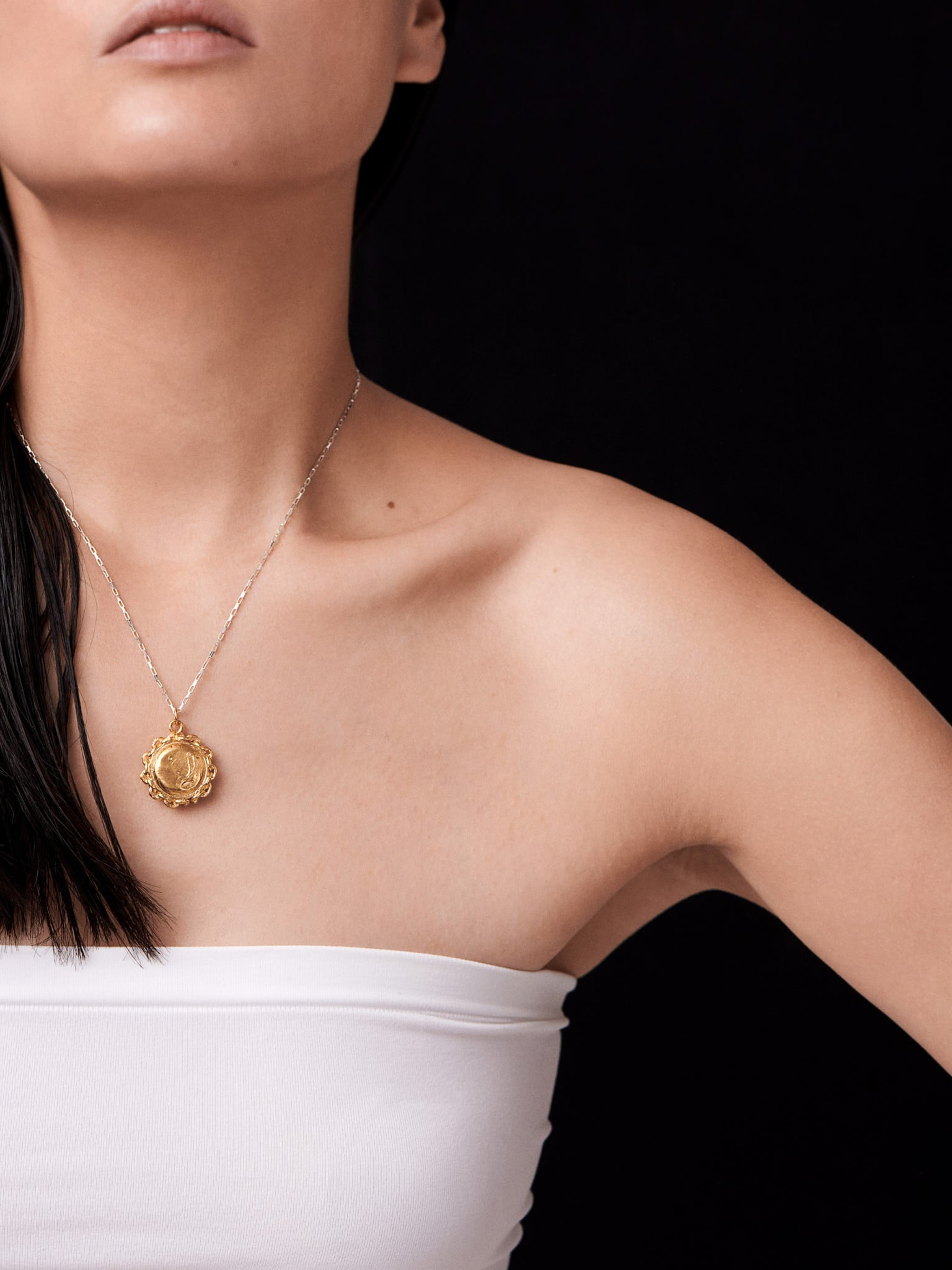 The invisible compass necklace