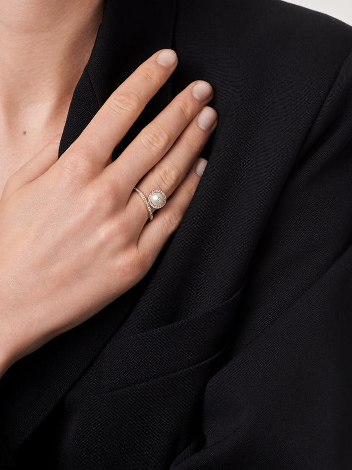 Pearl and diamond solitaire ring