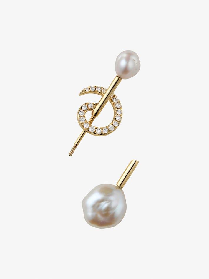 Betty pearl earring photo 3
